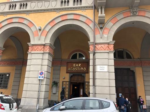 Uno degli immobili in vendita è la sede del bar Agostino