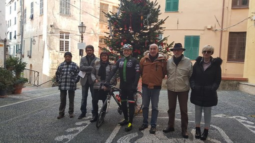 Imperia: torna la tradizione del 'Gruppo Ciclistico Circolo Parasio', presentata oggi la nuova squadra (foto)