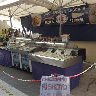 """Imperia: spostamento del mercato di Oneglia, insorgono ambulanti e commercianti del centro: """"Chiediamo rispetto"""" (foto e video)"""