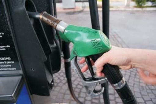 """Emergenza Coronavirus: i sindacati annunciano stop dei benzinai, """"...da mercoledì notte quelli della rete autostradale"""""""