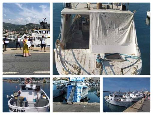 Le sirene di protesta dei pescherecci nei porti di Imperia e Sanremo contro la riduzione dell'attività di pesca (foto e video)