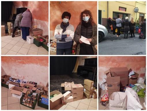 Coronavirus: Imperia Solidale nella distribuzione di alimenti e regali di Natale alle famiglie colpite economicamente dalla pandemia (Foto e Video)