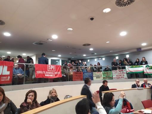"""Presidio dei sindacati in regione per il consiglio sulla sanità, Viale, """"Cgil stampella del Pd per le prossime regionali""""(Foto e Video)"""