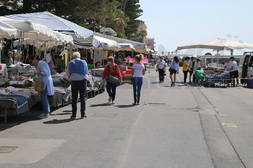 Il mercato di Bordighera, ieri