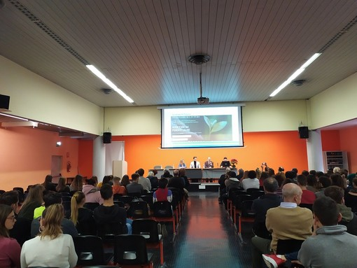 Imperia: Istituto Ruffini e Società 4.0, presentato questa mattina il corso orientato al futuro degli studenti (foto e video)