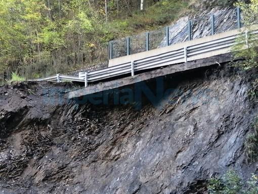 Chiusa per frana la strada Provinciale 3 tra Acquetico e Cosio di Arroscia. Attiva viabilità alternativa attraverso la SS28 (Foto)