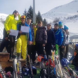 Sport invernali. Brividi ad alta quota: gli studenti del 'Baruffi' si cimentano nello sci alpino