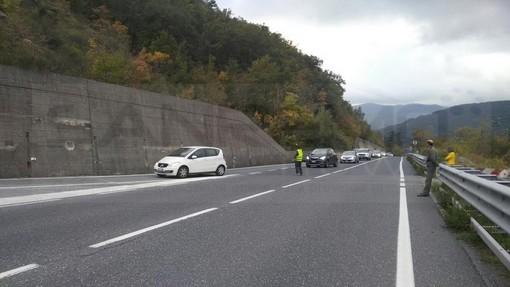 Spazzatura sulla SS28 del Col di Nava e sull'Aurelia: la segnalazione di un nostro lettore di Torino