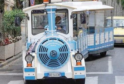 Imperia: lettrice chiede il prolungamento del servizio trenino e bus per le spiagge a settembre