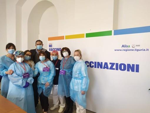 """Oltre 7000 vaccini in Liguria nei giorni di Pasqua, Toti: """"Fase di intensificazione della campagna"""" (foto"""""""