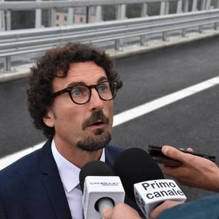 """Ponte San Giorgio, Toninelli: """"Oggi si ritorna alla normalità. Decreto Genova scritto in punta di diritto"""" (Video)"""