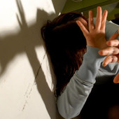 A '2 ciapetti con Federico' i dati delle violenze sulle donne: nel 2019 una denuncia ogni tre giorni, il lockdown ha poi peggiorato le conseguenze