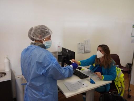Nuove disposizioni nazionali: non confermate le prenotazioni dei vaccini di domani per gli under 60